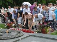 В День памяти и скорби астраханцы зажгли свечи в память о погибших на войне