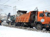 Последствия снегопада ликвидируют порядка 50 единиц техники