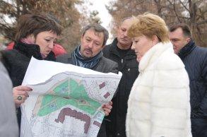 К юбилею Победы в Астрахани будут обновлены парки и скверы