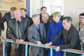 Ирина Егорова посетила с губернатором спортивную школу единоборств