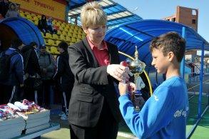Ирина Егорова наградила победителей футбольного турнира