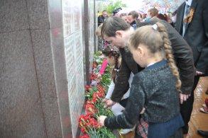 В поселке Советский ко Дню Победы открыт мемориальный комплекс
