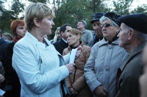 Ирина Егорова продолжает встречаться с жителями во дворах