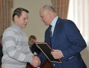 В городской администрации поздравили работников торговли, бытового обслуживания и ЖКХ